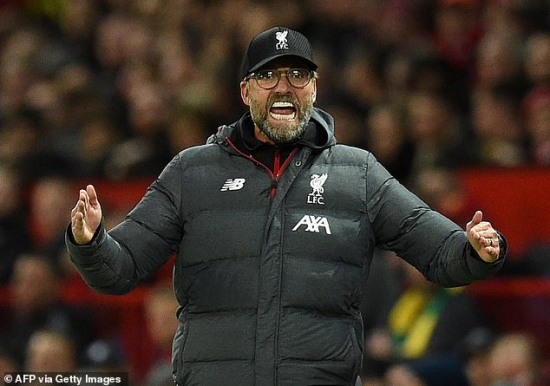 19963368-0-Jurgen_Klopp_shows_his_frustration_during_Liverpool_s_1_1_draw_a-a-7_1571603932915