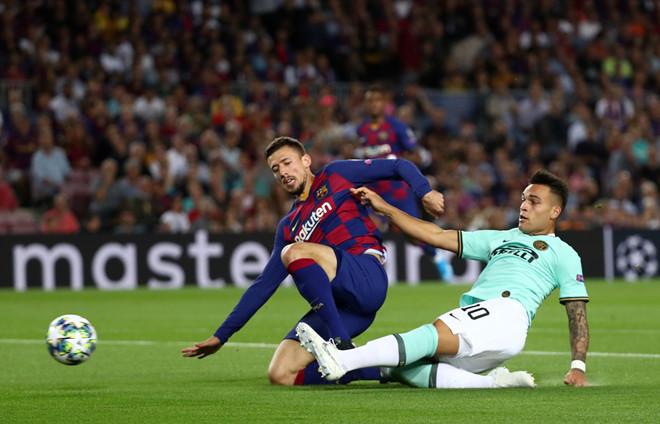 Suarez lập cú đúp giúp Barca ngược dòng hạ Inter