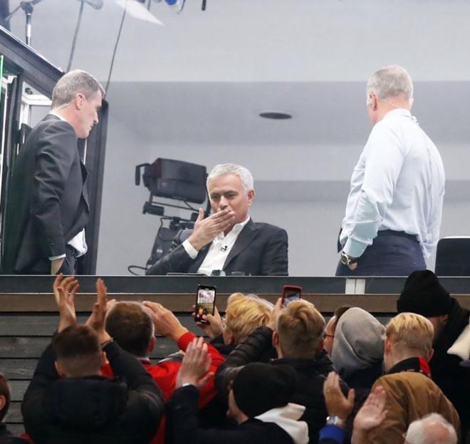 Mourinho phát ngôn ẩn ý sau trận MU hòa Liverpool