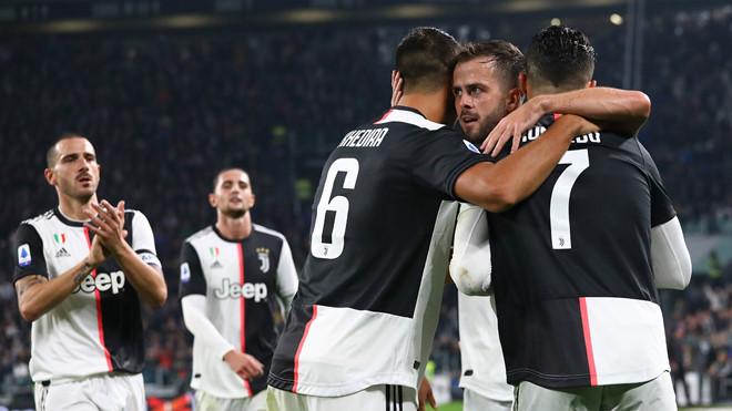 Ronaldo ghi bàn thứ 701, Juventus hạ Bologna