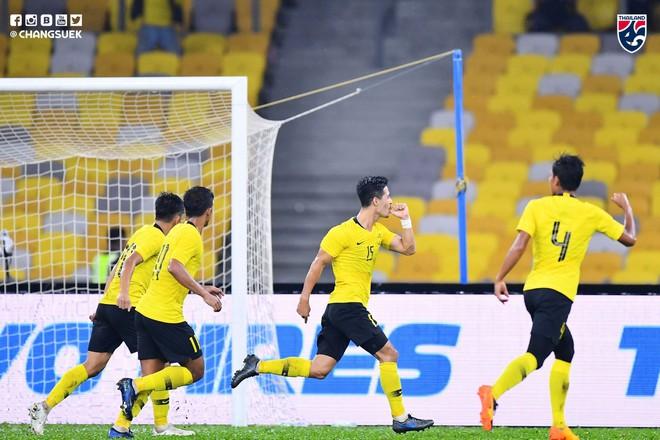 Thái Lan thua ngược Malaysia 1-2 dù Chanathip ghi bàn sớm