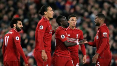 Photo of Liverpool phải chia đội hình để thi đấu ở hai giải khác nhau