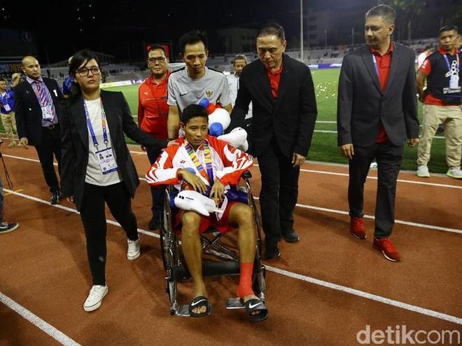 Văn Hậu xin lỗi Evan Dimas sau chung kết SEA Games