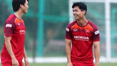 Photo of Công Phượng tươi cười tại buổi tập, sẵn sàng đấu Malaysia