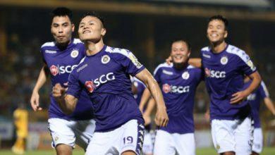 Photo of Tặng 100 quả bóng có chữ ký Quang Hải, Duy Mạnh… cho người hâm mộ