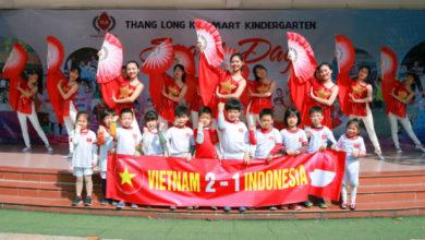 Photo of 'Nhuộm đỏ' sân trường cổ vũ U22 Việt Nam